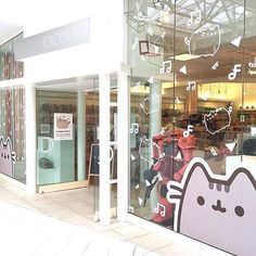 @tomodachi_us is throwing a Pusheen party today at their Mall of America store…