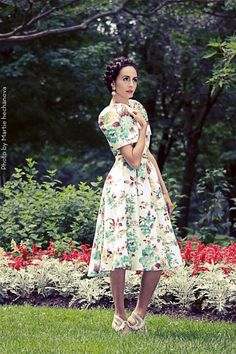 Inspired by the Dior New Look silhouette en vogue in the the Vintage Butterfly brings back this classic look when the terno was at the height of Philippines Outfit, Modern Filipiniana Gown, Wedding Motifs, Vintage Butterfly, Floral Fashion, 1950s Fashion, Traditional Dresses, Classic Looks, Costume Design