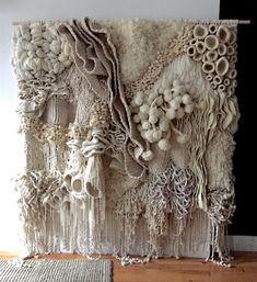 Weaving Textiles, Weaving Art, Tapestry Weaving, Loom Weaving, Macrame Wall Hanging Patterns, Macrame Art, Woven Wall Hanging, Macrame Wall Hangings, Textile Fiber Art