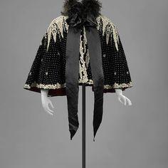 Cape   Netherlands   1900   velvet, satin, ostrich feathers   Rijksmuseum   Object #: BK-15262