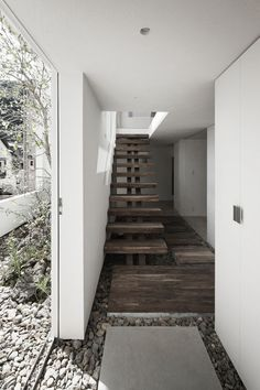 Frame House in Japan, 2012 UID Architects