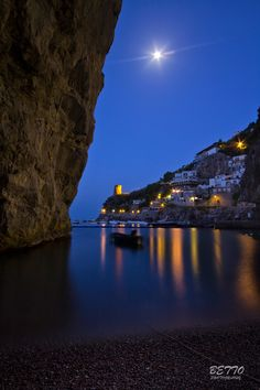 This is Praiano a Mare beach, wonderful place in the Amalfi coast The Moon and the Amalfi Coast by Benedetto Berti on 500px