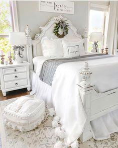 186 best guest bedroom ideas for you 1 mantulgan. Farmhouse Style Bedrooms, Farmhouse Master Bedroom, Master Bedroom Design, Dream Bedroom, Room Decor Bedroom, Bedroom Furniture, Bedroom Ideas, Farmhouse Decor, Modern Farmhouse