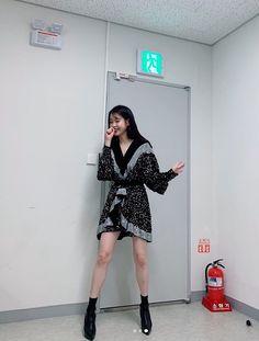 Black Spring bat sleeve Sequins V Neck Draped Mini Luxury Nightclub Dr - Bestial Moda Kpop Fashion Outfits, Mode Outfits, Korean Outfits, Luna Fashion, Summer Holiday Dresses, I Dress, Kpop Girls, Sexy Dresses, Korean Girl