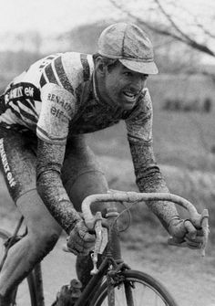 Marc Madiot rides solo to the win in Roubaix in 1985