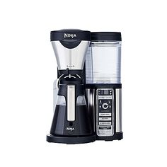 Perfectly brew up to 4 different types of coffee in the comfort of your home with the Ninja Coffee Bar Brewer CF082. Choose Classic, Rich, Over Ice, or Specialty, this home brewer conveniently makes a customized cup exactly the way you want it.