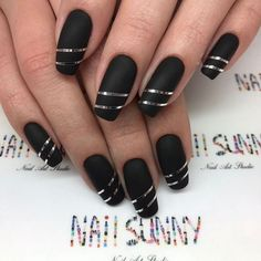 Red acrylic nails will attract much attention to your manicure and hands. Check out these nail art ideas and pick the one for your next mani. Black Nail Designs, Acrylic Nail Designs, Nail Art Designs, Creative Nail Designs, Stylish Nails, Trendy Nails, Black Acrylic Nails, Black Silver Nails, Nagellack Design