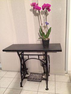 Ou comment customiser un pied de machine coudre singer - Table machine a coudre ancienne ...