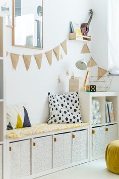 Anzeige// Unser Spielzimmer und 6 Dinge, die jeden Raum im Handumdrehen dazu mac… Advertisement // Our playroom and 6 things that turn any room into an instant plus Ikea hack for dots: ‹fräulein flora PHOTOGRAPHY Ikea Hack Kids, Ikea Kids Room, Ikea Hacks, Diy Hacks, Bedroom Hacks, Ikea Bedroom, Bedroom Ideas, Baby Zimmer Ikea, Baby Room Boy