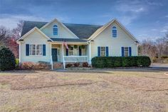 Charming 4 bedroom, 3 bath, 2500+sq.ft. home located in Bayshore in Wilmington, NC.