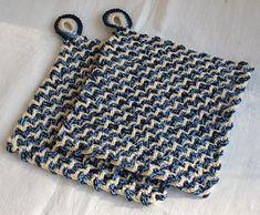 Chic in Strick: Häkel-Web-Topflappen Crochet Home, Diy Crochet, Crochet Crafts, Hand Crochet, Crochet Projects, Crochet Dollies, Crochet Potholders, Crochet Instructions, Dobby