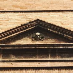 #skull #dedign #medievale #special #place #palace #italy #church #magic