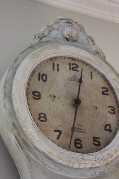 mora clock   maison decor