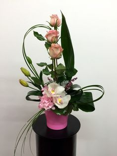 Just like it's name, this striking arrangement is both impressive and graceful.