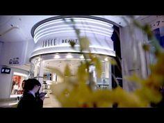 超人之母 X HYSAN PLACE Teaser(終極篇) 主演: 超人之母 (超人形態) 超人之母 - 羅子喬Bella Lo (人類形態) 導演:Alfred Pang 拍攝: PMC STUDIO 後期製作:PMC STUDIO / TSUBURAYA 編劇 :Randolph Wong 場地提供:HYS...