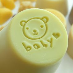 This is an all-time favorite baby soap recipe Buttermilk Bastille Baby Bar that uses buttermilk powder and zinc oxide. This baby soap is gentle for your baby's sensitive skin or for anyone else with sensitive skin. Slim And Sassy, Baby Bar, No Waste, Best Essential Oils, Soap Recipes, Home Made Soap, Unique Baby, Soap Making, Hand Sanitizer