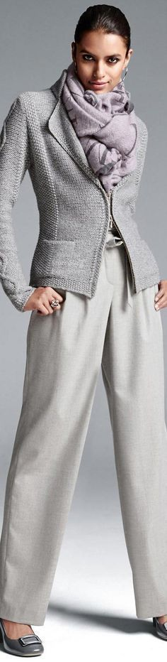 Femenina Con Pantalones