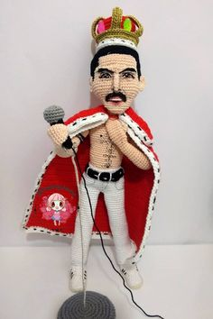 вязанаяигрушка ручнаяработа амигуруми crochettoys amigurumi handmade handwork arttoys crochet toys - Her Crochet Knitted Dolls, Crochet Dolls, Crochet Doll Pattern, Crochet Patterns, Freddie Mercury, Cute Crochet, Amigurumi Doll, Doll Patterns, Geeks