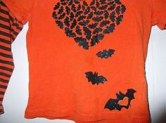 Girls Halloween long sleeved top with BATS! Size 4-5. Used but in great condition!