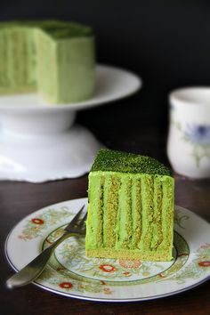 matcha vertical swiss roll. step by step pictures.