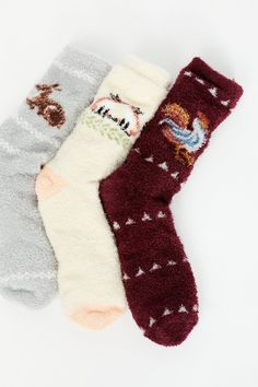 Keep your feet warm & stylish with Free People's selection of cute ankle socks for women. Shop ankle socks in a variety of colors, patterns & more. Fuzzy Slippers, Slipper Socks, Pretty Outfits, Cute Outfits, Baby Deer, Outfit Combinations, Cool Socks, New Wardrobe, Sock Shoes