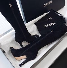 Dr Shoes, Hype Shoes, Me Too Shoes, Shoes Sneakers, Shoes Heels, Pumps, Fancy Shoes, Pretty Shoes, Beautiful Shoes