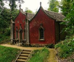 Architecture 101 - Painswick, England, The Red House at Rococo Garden Old Buildings, Abandoned Buildings, Abandoned Places, Beautiful Buildings, Beautiful Homes, Beautiful Places, Gothic Architecture, Architecture Details, Abandoned Mansions