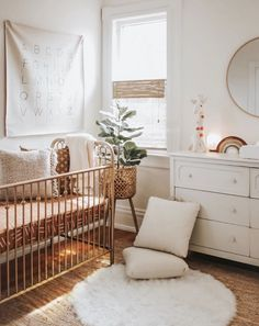 10 best Boho Nurseries to inspire you! - We have collected the best 10 Boho nurseries to show the fabric, furniture, and accessories to use in the nursery. Source by wolkenmiti - Nursery Themes, Nursery Room, Nursery Decor, Nursery Ideas, Themed Nursery, Apartment Nursery, Project Nursery, Room Ideas, Baby Room Design