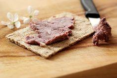 Kidneybohnen-Aufstrich (vegan + einfach)  Dieser Aufstrich ist total einfach und lecker. Für die Zubereitung benötigt man nur wenige Minuten. Ideal für alle, die mit wenig Aufwand eine Alternative zu den gekauften Aufstrichen haben wollen.