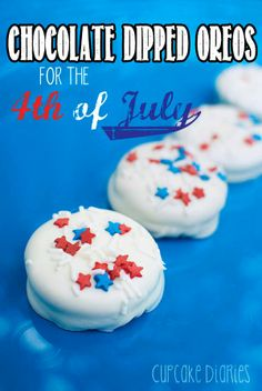 Chocolate Dipped Oreos for the 4th of July #patriotic #treats #july #fourth #dessert