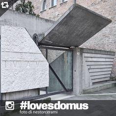 Carlo Scarpa, Ingresso della Facoltà di Architettura IUAV - sede Tolentini (III progetto), Venezia, 1966-1985.