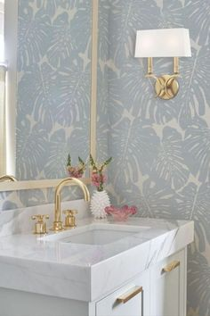 Botanical wallpaper paired with hints of gold and blush make this powder bath a total guest-worthy experience. Bathroom Interior Design, Home Interior, Interior Decorating, Yellow Interior, Interior Colors, Inspiration Design, Bathroom Inspiration, Bathroom Ideas, Bathroom Designs