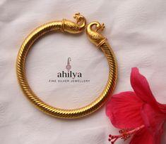Ankle Jewelry, Head Jewelry, Jewelry Design Earrings, Gold Earrings Designs, Gold Ring Designs, Gold Bangles Design, Gold Jewellery Design, Indian Jewelry Sets, Silver Jewellery Indian