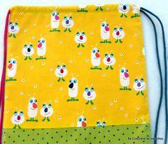 Bolsa - Mochila, confeccionada con tres tipos diferentes de tela 100% algodón…