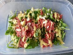 Carpaccio salade met komkommer en honing-mosterd dressing Healthy Cooking, Healthy Snacks, Healthy Eating, Healthy Recipes, I Love Food, Good Food, Yummy Food, Feta, Best Chicken Recipes
