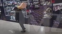 Μια παράξενη ληστεία έκανε ένας άνδρας στο Λας Βέγκας που έκλεψε τεράστιο, διακοσμητικό δονητή από