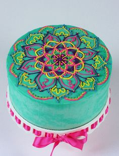 Buttercream Mandala on Cake Central Más Pretty Cakes, Cute Cakes, Beautiful Cakes, Amazing Cakes, Buttercream Cake, Fondant Cakes, Henna Cake, Decoration Patisserie, Mothers Day Cake