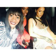 Rihanna and her family Rihanna Riri, Beyonce, Only Girl, Black Girls Rock, Video Photography, Woman Crush, Besties, Diva, Bridal