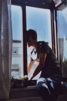 Imagen de boy, vintage, and window
