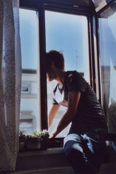 Imagen de boy, vintage, and window