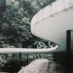Das Canoas house by #oscarniemeyer (1951) #riodejaneiro