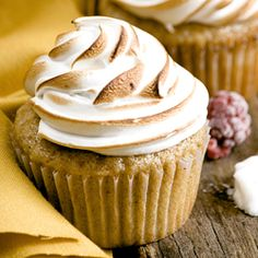 Cinnamon graham cupcakes with mixed berry filling and swiss meringue <3