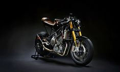 Jonny's Yamaha TRX850 cafe racer was 4 years in the making, which may seem like a long time, but Jonny isn't the kind of guy to do things by halves.