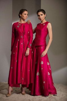 Lakme Fashion Week, India Fashion, Asian Fashion, Kurta Designs, Blouse Designs, Indian Dresses, Indian Outfits, Heavy Dresses, Casual Dresses