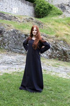 807e6d4516 Black medieval Underdress Freya by Burgschneider I Wish