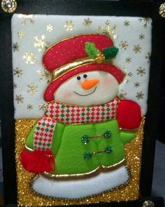 Santa, nieve y reno Christmas Projects, Christmas Crafts, Xmas, Christmas Ornaments, Snowman Crafts, Ideas Para, Christmas Stockings, Crafts For Kids, Quilts