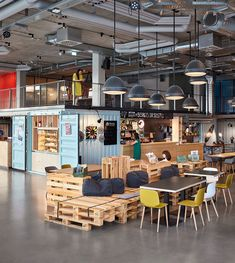 kinzo creates industrial chic meets maritime feel for container hostel in germany - Design Hotel, Restaurant Design, Container Hotel, Accor Hotel, Architecture Design, Hotel Architecture, Home Interior, Interior Design, Casas Containers