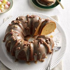 Brown Sugar Pound Cake Recipe -This tender pound cake is the first one I mastered. You'll want to eat the browned butter icing by the spoonful. It tastes like pralines. Christmas Desserts Easy, Christmas Baking, Easy Desserts, Delicious Desserts, Dessert Recipes, Christmas Cakes, Christmas Goodies, Christmas Treats, Cupcake Recipes