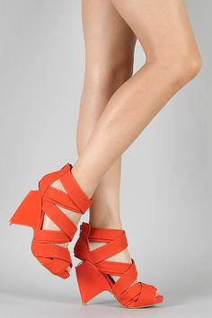 Qupid Harlow-04 Strappy Open Toe Wedge