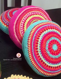 42 Ideas for crochet mandala cushion yarns Crochet Pillow Pattern, Crochet Mandala Pattern, Crochet Amigurumi Free Patterns, Crochet Cushions, Crochet Cross, Crochet Round, Crochet Home, Crochet Gifts, Crochet Yarn
